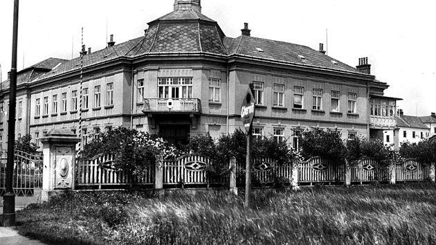 Budova okresního úřadu v Moravské Třebové postavená ve 20. letech 20. století. V 60. letech byla rekonstruována pro potřeby nemocnice.