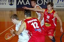 Svitavští basketbalisté podali vynikající výkon a zaslouženě porazili Pardubice.