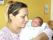 SEBASTIAN HANSGUT. Hoch se narodil 18. října v 16.12 hodin. Vážil 3,8 kilogramu a měřil 54 centimetrů.  S rodiči Adrianou a Robertem bydlí v Moravské Třebové.
