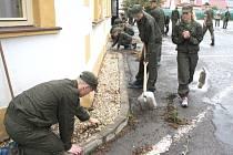 Na dnešní návštěvu prezidenta republiky se připravovali i ve vojenské střední škole.