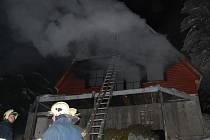 Požár chaty v Čenkovicích.