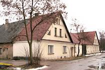 Je známo, že Alois Jirásek se během svého litomyšlského pobytu (1874 1888) často sám i s přáteli vydával na toulky do okolí Litomyšle. Častým cílem jeho vycházek byla Sloupnice, obec ležící sedm kilometrů severně od Litomyšle