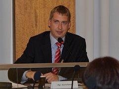 Noví zastupitelé Svitav zvolili na ustavujícím zasedání radu města. Starostou je opět David Šimek. Jedinou pozici místostarosty zastává nadále Pavel Čížek.