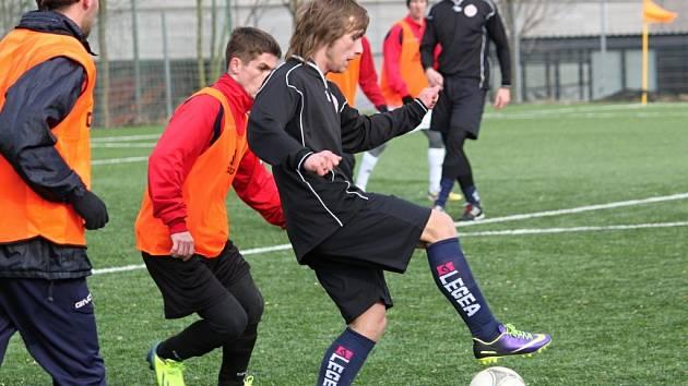 O dvě soutěže níže působí fotbalisté Kunčiny, ale v průběhu duelu na hřišti Litomyšle nebyl tento rozdíl nijak moc znát.
