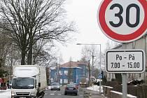 Projíždějící nákladní automobily jsou tématem jednání mezi radními a občany svitavského Lačnova. Městská část je přímo na hlavním tahu z Brna do Polska.
