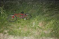 Kdo srazil muže na kole? Policie hledá svědky kolize.