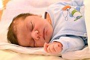 FILIP JÍNĚ. Narodil se 13. prosince Michaele a Miroslavovi z Korouhve. Měřil 50 centimetrů a vážil 3,3 kilogramu. Má sourozence Miroslava a Elišku.