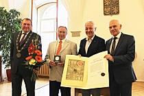 Cena města Moravská Třebová za rok 2017 patří Františku Matouškovi. Foto: Václav Dokoupil