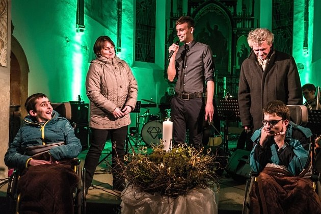 Koncert v rámci akce Hudba pomáhá v Morašicích.