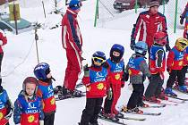 Děti ze školky se zúčastnily lyžařského výcviku v Čenkovicích.