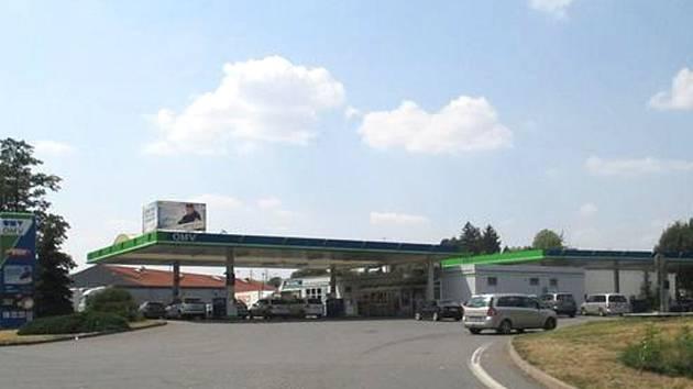 Tři Poláci napadli obsluhu čerpací stanice.