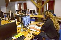 Studenti i lektoři Anomalie  jsou v prostorách Evropského školícího centra spokojeni. Jsou dostatečně velké a nabízejí klid na práci.