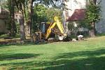 Bělovský park pod lípami se dočkal konečně obnovy.