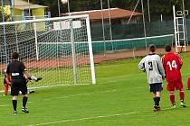 Zahozená penalta. Jedna z mnoha nevyužitých šancí Cerekvice.