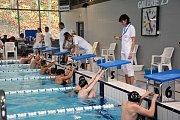 V boleslavském bazéně se sešli plavci z pěti plaveckých oddílů, aby zaplavali časy, které je kvalifikují na krajský přebor.