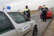 Strážníci městské policie si posvítili na rychlou jízdu řidičů v Bakově.