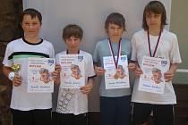 Nejlepší hráči tenisového okresního přeboru žactva Mladoboleslavska: (odleva) Tomáš Brožek, Tomáš Zima, Jakub Křováček, Adam Kredba.