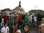 Den s Boleslavským deníkem na náměstí Míru v Mladé Boleslavi.