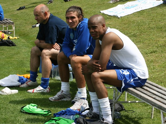 Druhýz leva Michal Papadopulos vedle Ludovica Sylvestreho