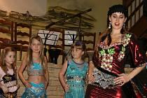 Fatima Orient Show v sobotu oslnila diváky v kosmonoské restauraci U Šmaku.