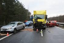 Dopravní nehoda na dálnici D10 ve středu 17. března 2021.