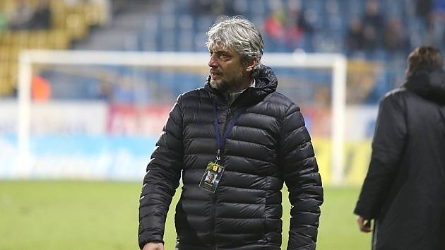 Teplice (ve žlutém) podlehly doma Mladé Boleslavi 0:2. Jozef Weber