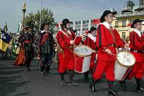 Průvod v dobových kostýmech přes Staré město začne v sobotu v 9.30 hodin.