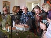 Odhalení modelu zámku Zvířetice v bakovském muzeu