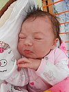 Terezka Lacinová se narodila 6. září, vážila 3,803 kg a měřila 53 cm. S maminkou Jaroslavou a tatínkem Petrem bude bydlet v Chudíři, kde už se na ni těší sestřičky Kačenka a Maruška.