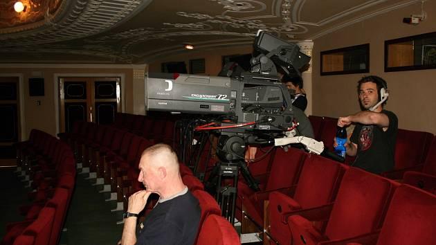 V Městském divadle se natáčel záznam Zločinu v Posázavském Pacifiku
