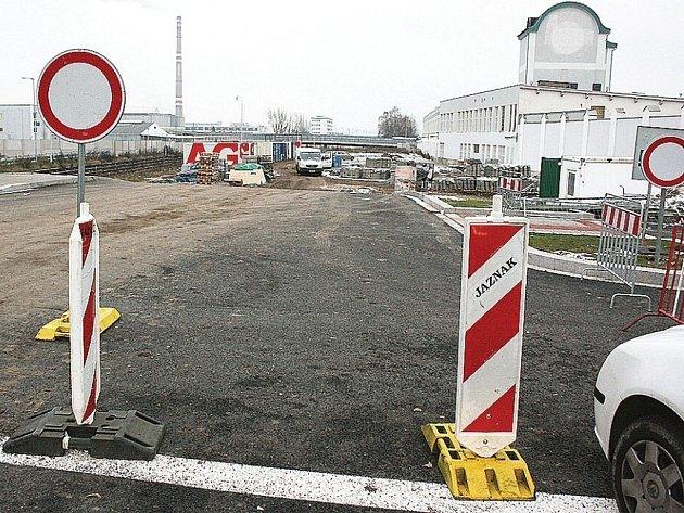 Nová silnice v Mladé Boleslavi povede kolem Škodovky od Bondy centra k Intersparu.