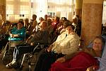 Horečtí studenti připravují pro seniory besídku každoročně.