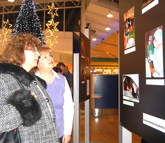 Výstava fotografií Boleslavského deníku přivábila mnoho návštěvníků centra Olympia.