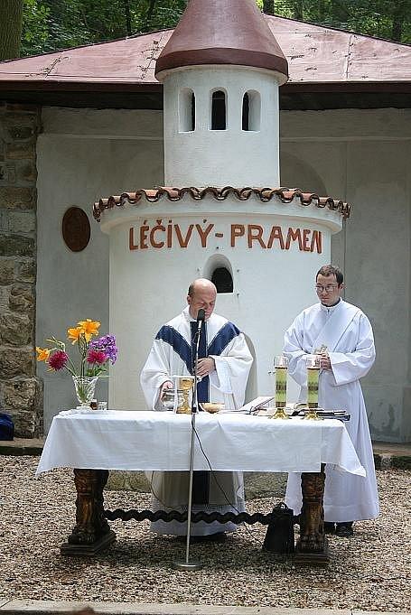 Vysvěcení kaple a poutní mše svatá u Boží vody.