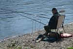 Rybaření u Jizery v Podlázkách.