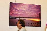 Výstavní sály paláce Templ na Starém městě hostí výstavu amerického fotografa Kennetha Crookstona. Ten představuje soubor uměleckých fotografií nazvanou San Francisco – the Golden City.