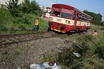 Vlaky zde už projíždí, ovšem doslova jen krokem, aby stačily v případě potřeby včas zastavit.