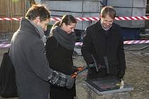 Pokládání základního kamene komunitního centra v Mnichově Hradišti.