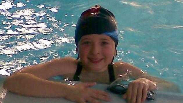 Plavkyně Auto Škody Kateřina Tancmanová si přivezla z Loun dvě zlaté a jednu stříbrnou medaili