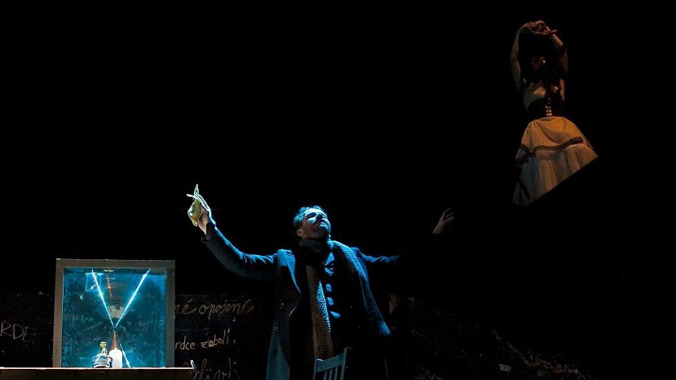 Úplné zatmění v podání mladoboleslavského divadla