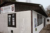 Objekt využívá zhruba padesát dětí i dospělých. Vedle sebe tu funguje pionýrská a skautský organizace.