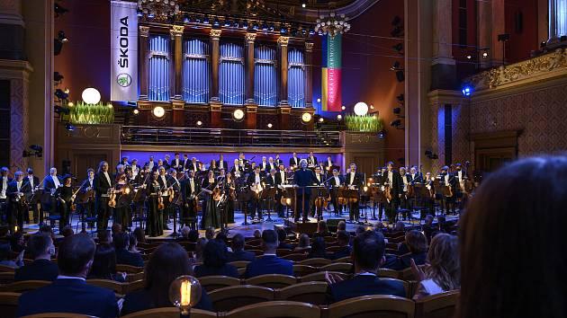 Koncert České filharmonie podpořil rodiny obětí pandemie