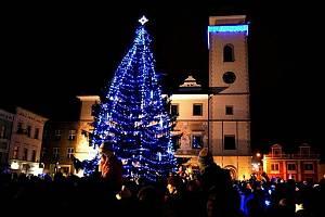 Rozsvěcení vánočního stromu v centru Mladé Boleslavi.