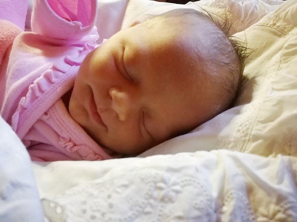 Abigail Reitr se narodila 18.února v 9.37 hod. a vážila 3,28 kg. Bydlet bude s mamkou, taťkou a ségrou Viktorkou v Úhercich.
