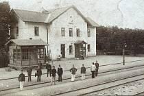 Pohled na nádraží v Kropáčově Vrutici.