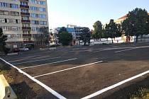 Dočasné parkoviště Na Slovance je zdarma