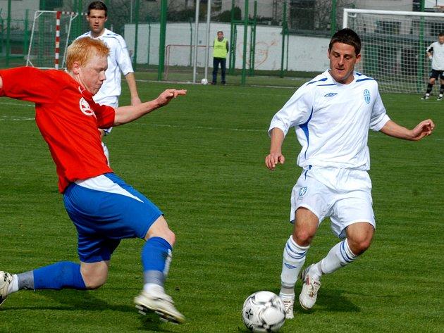 V minulém ročnku pomáhal juniorce i hráč prvoligového kádru David Vaněček (vpravo). Ten však z Boleslavi odešel.