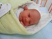 Eduard Šverma se narodil 19. prosince, vážil 3,14 kg a měřil 48 cm. S maminkou Janou a tatínkem Robertem bude bydlet v Maníkovicích, kde už se na něho těší sestřičky Zuzanka a Verunka.