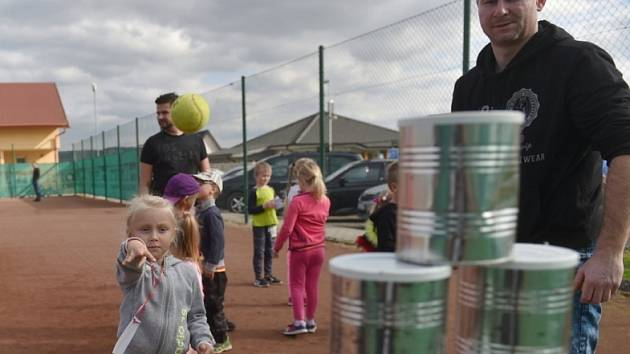 Ukončení letní sportovní sezóny vKolomutech pojali uspořádáním zábavné akce pro děti, kterou pořádal Obecní úřad Kolomuty, Sbor dobrovolných hasičů Kolomuty a sportovní klub Sportovní Areál Kolomuty.
