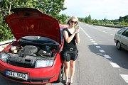 Kdo pomůže opravit auto? Test Deníku.